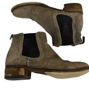 GravityPope Chelsea Suede Boots size 36